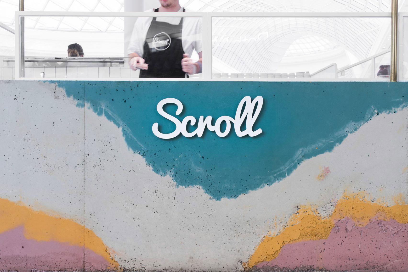 商品をカラーコンクリートで表現した美味しそうなアイスクリーム店舗のカウンター