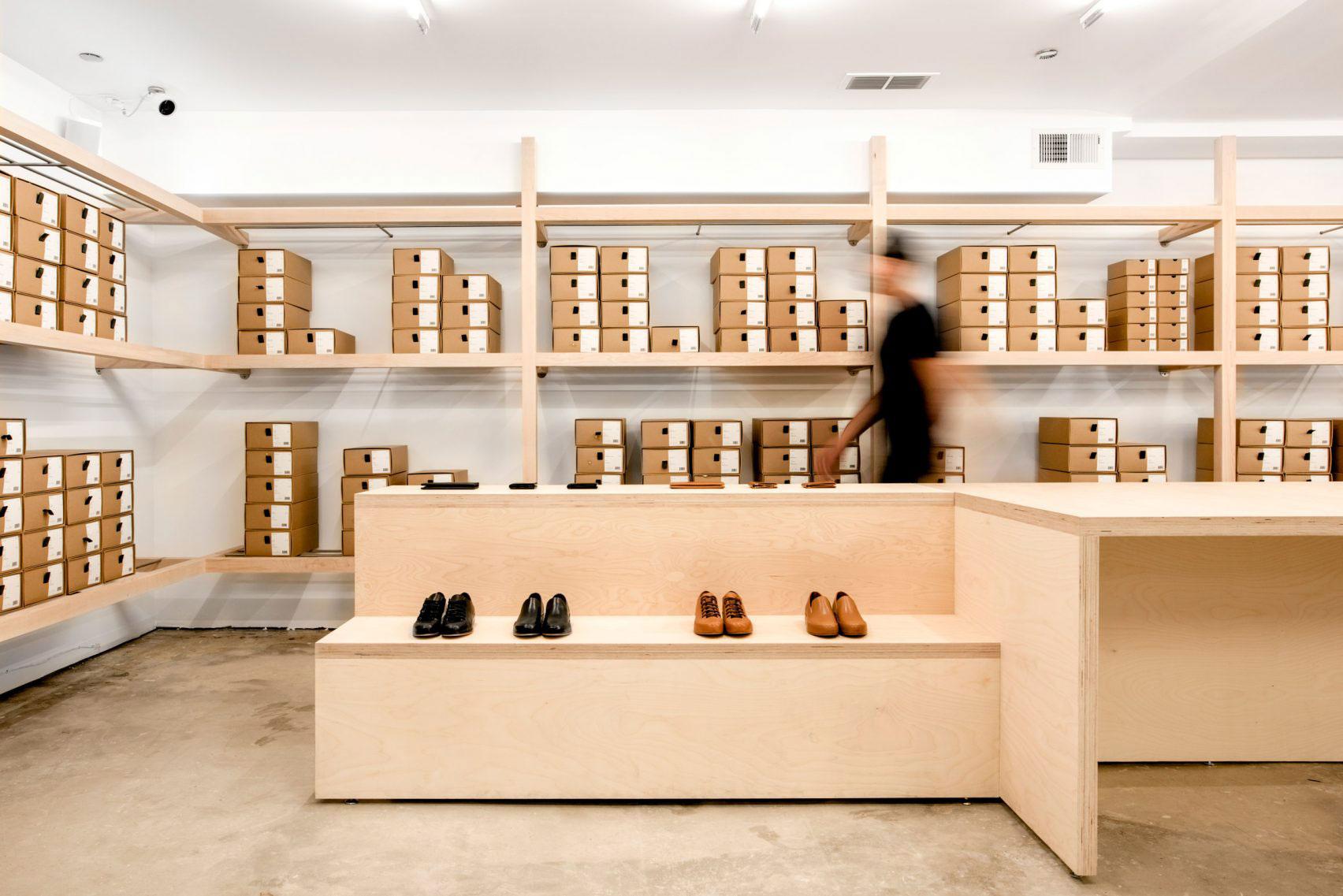 店舗の限られたスペースを活かす靴屋のレイアウトと動線設計